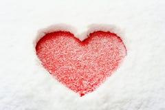 Carte de voeux de Valentine avec deux tasses sur le plateau en bois Images libres de droits