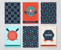 Carte del mare di estate con i modelli di Marine Symbols e delle etichette Immagini Stock