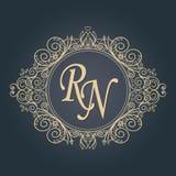 Carte dell'invito di nozze con gli elementi floreali Ornamento della foglia Cartolina d'auguri royalty illustrazione gratis