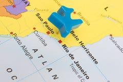 Carte du Brésil avec Plane Over modèle Rio De Janeiro Images stock