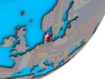 Carte du Danemark avec le drapeau sur le globe illustration stock