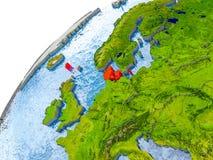 Carte du Danemark en rouge sur le globe Image stock