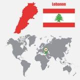 Carte du Liban sur une carte du monde avec l'indicateur de drapeau et de carte Illustration de vecteur illustration stock