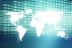 Carte du monde avec le fond bleu numérique de thème de codes binaires Photos libres de droits