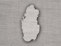 Carte du Qatar sur la vieille toile Photographie stock libre de droits