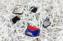 Carte e dispositivi tagliuzzati di archiviazione di dati Fotografia Stock Libera da Diritti