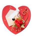 Carte en forme de coeur rouge pour le jour de valentine avec l'enveloppe blanche Photographie stock