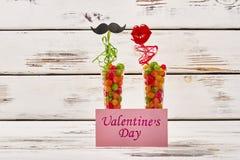 Carte et appui verticaux de jour du ` s de Valentine Photos libres de droits