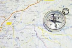 Carte et compas Photo libre de droits