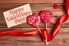 Carte et ruban de jour du ` s de Valentine image stock