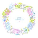 Carte florale avec des feuilles, fleurs, herbe, fougère couleurs sensibles sur un fond blanc Cadre rond de verdure Style campagna illustration stock