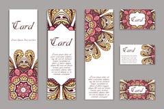 Carte graphique d'invitation avec le mandala Ornement décoratif pour le design de carte : épouser, bithday, partie, saluant cru illustration stock