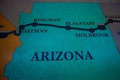 Carte historique de l'itinéraire 66 faite à partir du plancher de mosaïque de mosaïque avec la conception de carte photo libre de droits