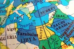 Carte méditerranéenne sur le petit globe terrestre Images libres de droits