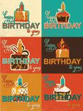 Carte mignonne de joyeux anniversaire avec le petit gâteau Image stock