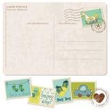 Carte postale d'arrivée de bébé avec l'ensemble d'estampilles Image stock