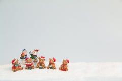 Carte postale d'ours et de bonhommes de neige de Noël Photographie stock libre de droits