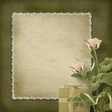 Carte postale de cru avec des roses et des cadeaux Photographie stock