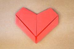 Carte postale de jour de valentines, coeur rouge de papier Photos libres de droits
