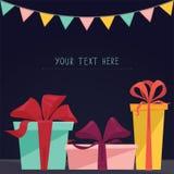 Carte postale de joyeux anniversaire avec trois cadeaux et espace des textes - dirigez l'illustration Photographie stock