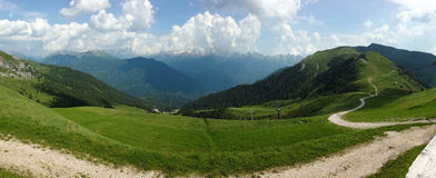Carte postale de l'Italie d'Alpes de Dolomiti Photographie stock