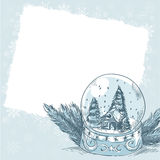 Carte postale de Noël avec la bille en verre avec des flocons de neige Photo stock