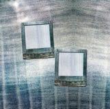 Carte postale de vintage avec des glissières sur le fond de jeans Photo libre de droits