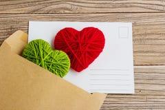 Carte postale vide, postcrossing, lettre d'amour rouge de coeur Images libres de droits