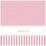 Carte rose d'invitation avec des points et des rayures de polka Photos stock