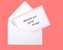Carte rose et enveloppe étoilées de cadeau, vierges Image libre de droits