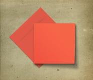 Carte rouge et enveloppe Image stock