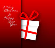 Carte rouge simple de vecteur avec le cadeau de Noël fait à partir de la rayure de papier Images libres de droits