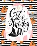 Carte sale de Halloween avec la sorcière dans le chapeau et la citation Cartes de voeux de lettrage pour toutes les séries de vac illustration de vecteur