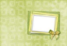 Carte verte pour l'invitation ou la félicitation avec le cadre Image stock