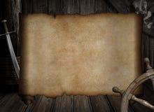 Carte vide de trésor au-dessus d'autres accessoires de pirates illustration libre de droits