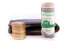 Carteira e moedas de couro Fotos de Stock Royalty Free