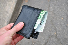 Carteira encontrada perdida do dinheiro Fotos de Stock Royalty Free