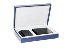 Carteira nova e caso chave na caixa de presente Fotos de Stock Royalty Free