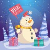 Cartel de la Feliz Navidad de la historieta Muñeco de nieve sonriente en el sombrero de Papá Noel con las cajas de regalo en bosq Imagen de archivo libre de regalías