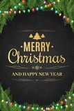 Cartel de la Navidad Árbol de navidad, guirnalda Feliz Año Nuevo Texto del oro en un fondo oscuro con un modelo de copos de nieve Fotografía de archivo