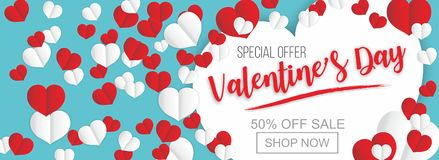 Cartel de la venta del día de tarjetas del día de San Valentín o bandera del corazón rojo de la tarjeta del día de San Valentín e imagen de archivo