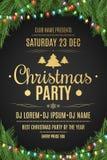 Cartel de lujo para una fiesta de Navidad Árbol de navidad en un fondo negro Fondo celebrador Texto del oro con la descripción Mu Foto de archivo