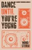 Cartel del estilo del grunge del vintage para el partido retro con altavoces Ilustración del vector Imagenes de archivo