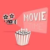 Cartel del tiempo de película Ilustración del vector de la historieta Proyector y palomitas de película Fotos de archivo