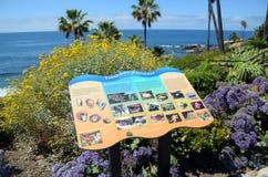 Cartel educativo en el parque en Laguna Beach, California de Heisler fotos de archivo libres de regalías