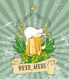 Cartel moderno de la cerveza del vintage Plantilla retra del cartel para el menú de la cerveza, la muestra, la etiqueta o el dise Foto de archivo libre de regalías
