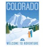 Cartel o etiqueta engomada retro del viaje del estilo Montañas del esquí de Estados Unidos, Colorado Imágenes de archivo libres de regalías