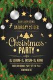 Cartel para una fiesta de Navidad Bayas del árbol y de la nieve de abeto en un fondo negro Fondo celebrador Nieve que cae Bal de  Imágenes de archivo libres de regalías