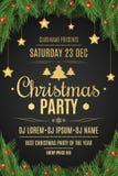 Cartel para una fiesta de Navidad Bayas del árbol y de la nieve de abeto en un fondo negro Fondo celebrador Nieve que cae Gol de  Imagen de archivo libre de regalías