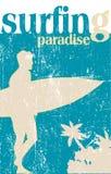 Cartel que practica surf